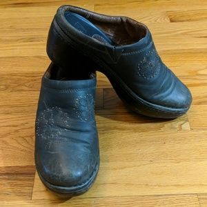 Ariat woman's mules
